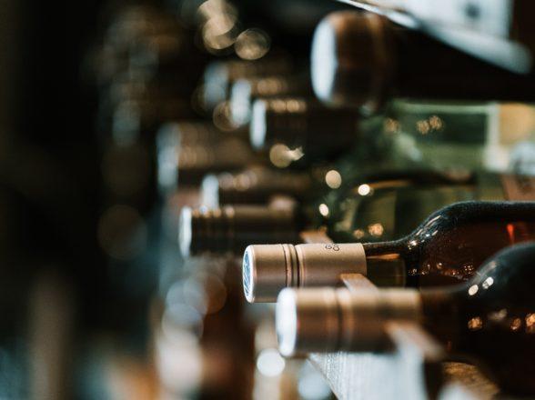 Cuidados simples com a guarda de vinhos em casa