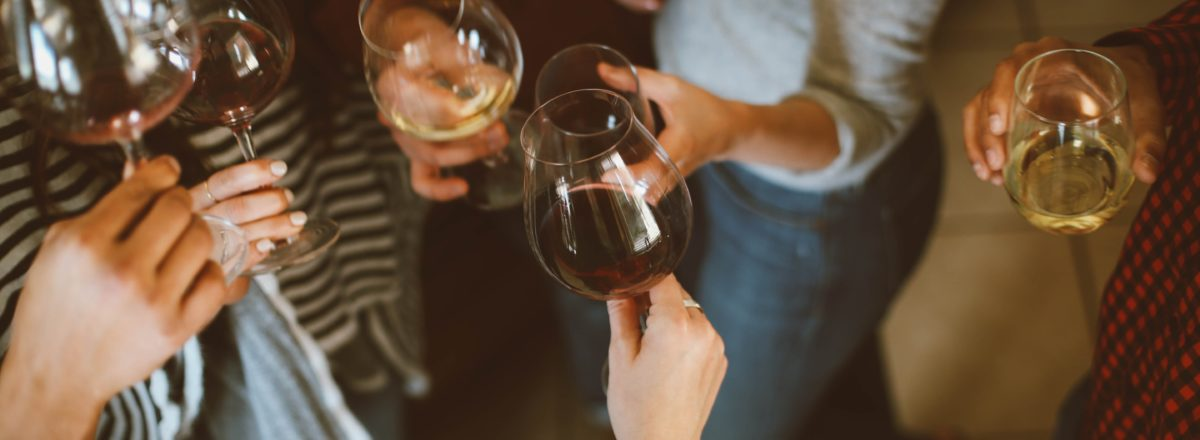 Confira algumas dicas para degustar seu vinho da melhor maneira