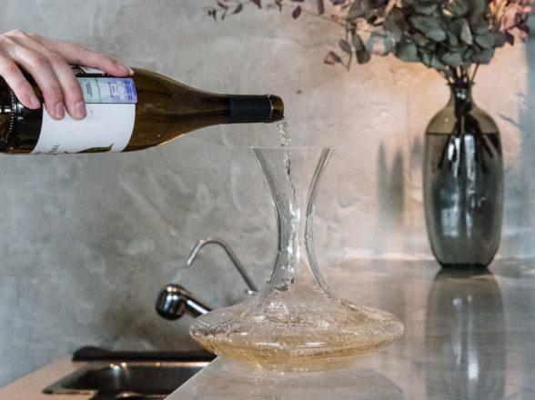 Decantar um vinho, como e por quê aplicar esta técnica?